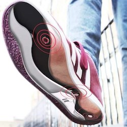The Path Feel insole provides vibration feedback to the sole of the foot. (Open Ideo)