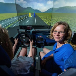 Vera Demberg, Ph.D., a professor at Saarland University, and colleagues study how speech information affects steering in a driving simulator. (Photo: Oliver Dietze)