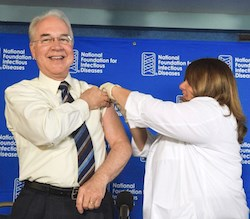 Health and Human Services Secretary Tom Price, M.D., gets a flu shot Thursday at a press conference. (Photo: CDC)